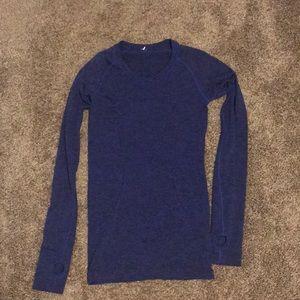 dark blue long sleeve lululemon top